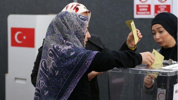 Türkinnen wählen in Deutschland