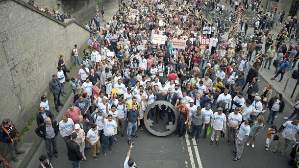nur-rund-1000-menschen-waren-zum-marsch-gegen-den-terror-in-koeln-gekommen-